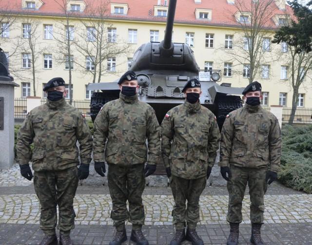 Skromni żołnierze pomogli ofierze wypadku