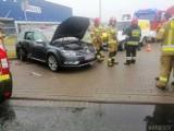 Zderzenie trzech samochodów w Opolu koło Makro. Cztery osoby ranne, w tym dwoje dzieci