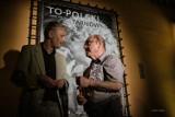 """""""To-Polski Tarnów"""" na ścianach TCK-u. Wystawa Pawła Topolskiego w Tarnowskim Centrum Kultury [ZDJĘCIA]"""