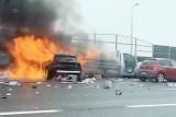 Gliwice: Wypadek na autostradzie A4. Są ranni. Auto się zapaliło po zderzeniu trzech samochodów