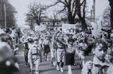 Tak wyglądały pochody pierwszomajowe w Górze. Zobaczcie, jak świętowano 1 maja w PRL [ZDJĘCIA]