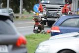 Zderzenie motoroweru z samochodem na ul. Portowej w Grudziądzu [zdjęcia]