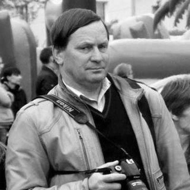 Artur - zawsze z aparatem.