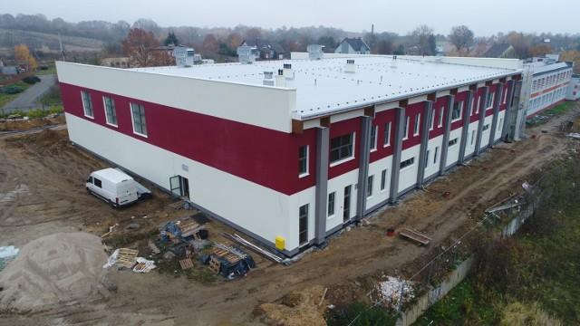 Aktualne zdjęcia z budowy hali sportowej w Gubinie przy SP nr 3.
