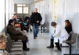 Kolejki do lekarzy specjalistów w Toruniu. Jak długo trzeba czekać na wizytę? Nawet kilka lat!