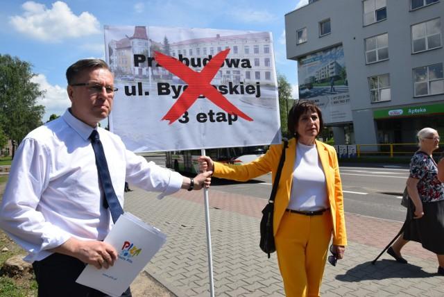 Konferencja prezydenta Piotra Głowskiego w sprawie odwołanej przebudowy ulicy Bydgoskiej