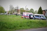 Tragiczne zdarzenie w Pucku. Z okna budynku na ul. Wojska Polskiego wypadło niespełna 2-letnie dziecko | NADMORSKA KRONIKA POLICYJNA