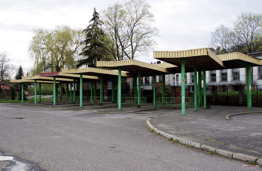 Dworzec PKS w Lubaniu nie istnieje. Jak wyglądał? Zobaczcie!