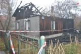Dąbrowa Górnicza: Tragiczny pożar w Antoniowie [ZDJĘCIA]. Spłonął drewniany dom, jedna osoba nie żyje [WIDEO]