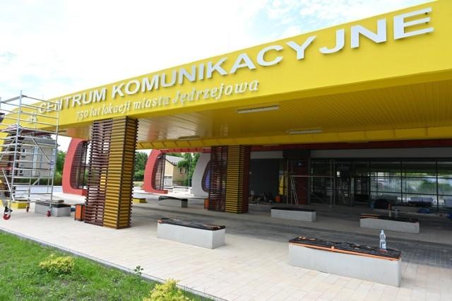 Budowa Centrum komunikacyjnego w Jędrzejowie - zdjęcie z końca czerwca 2021 roku.