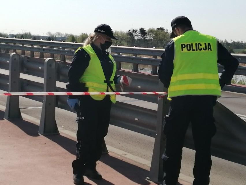 Tragiczny finał poszukiwań zaginionego mężczyzny. W okolicy mostu w Wągrowcu znaleziono motocykl, a następnie ciało