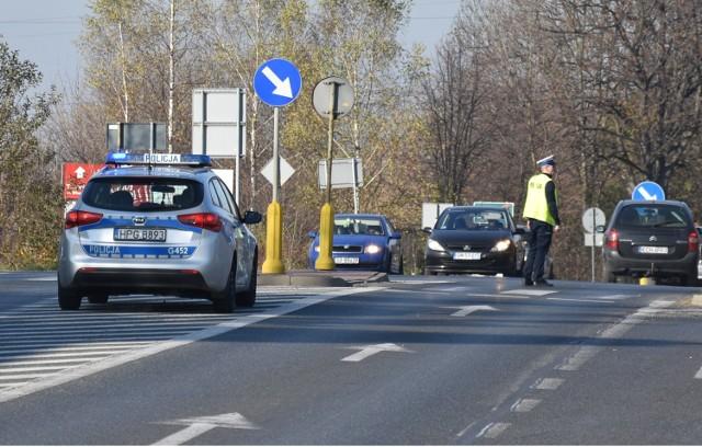 Policjanci w niedzielę pojawią się przy cmentarzu w Chrzanowie