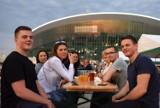 Lotny Festiwal Piwa w Gliwicach [ZDJĘCIA]. Degustacje browarów rzemieślniczych przyciągnęły tłumy koneserów