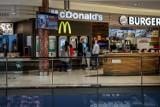 Tyle zarabiają pracownicy restauracji. Oto najnowsze stawki w McDonald, KFC, czy Pizza Hut