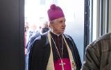 Abp Dzięga po protestach kobiet wzywa do tworzenia kościelnych służb porządkowych