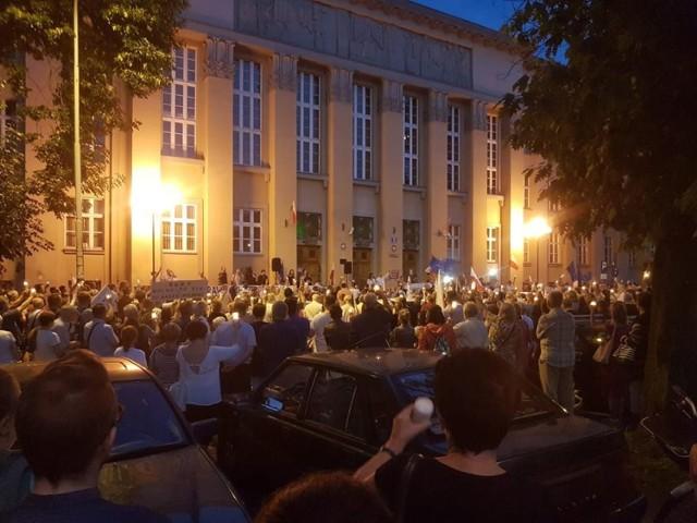 Protest w obronie sądów w Łodzi