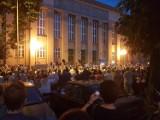 Protest w obronie sądów w Łodzi. Tysiąc osób w Łańcuchu Światła 2018 [ZDJĘCIA]