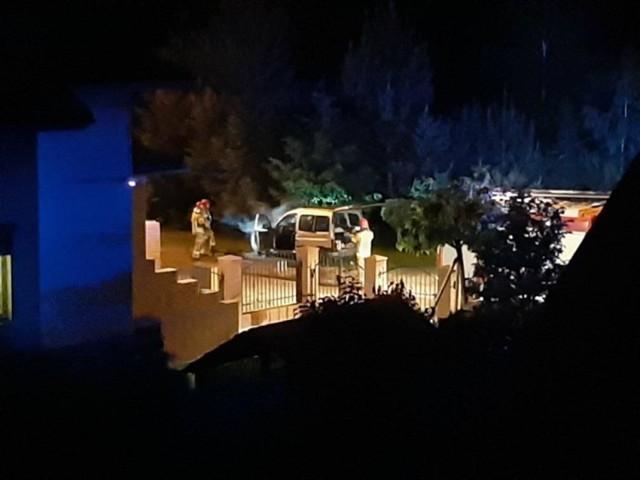 Pożar samochodu osobowego przy ul. Tatarkiewicza w Śremie