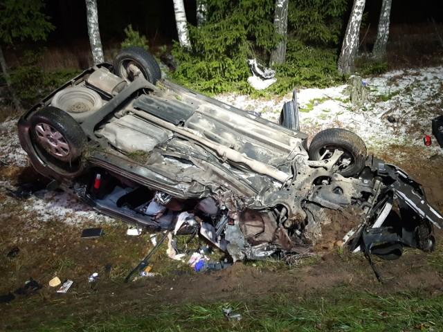 Wypadek na DK 8 w m. Zielone. Tir zderzył się z osobówką