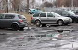 Grudziądz. - W takich warunkach musimy parkować swoje auta - żalą się kierowcy. Zobacz zdjęcia z ul. Zachodniej