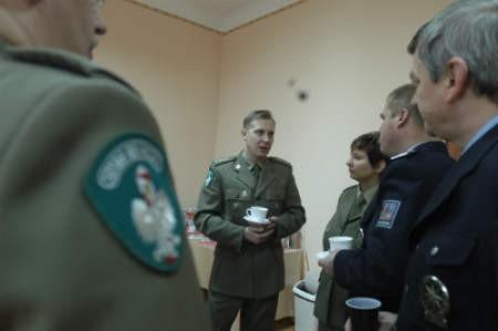 Kpt. Piotr Patla, szef śląskich pograniczników podkreśla, że wspólne patrole przydadzą się podczas dużych imprez, jakich w Cieszynie nie brakuje.