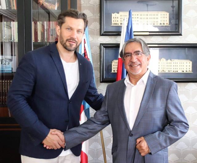 Ruben Silva rekomendowany na szefa Filharmonii Kaliskiej. Dyrygent spotka się z prezydentem Kalisza