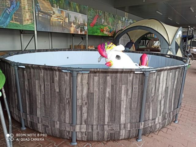 Oto baseny i jacuzzi, które możecie postawić w ogrodzie i na działce dla dorosłych, dzieci i całych rodzin