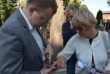 Zginął podczas bombardowania Zduńskiej Woli 3 września. W rocznicę grób odwiedziła rodzina