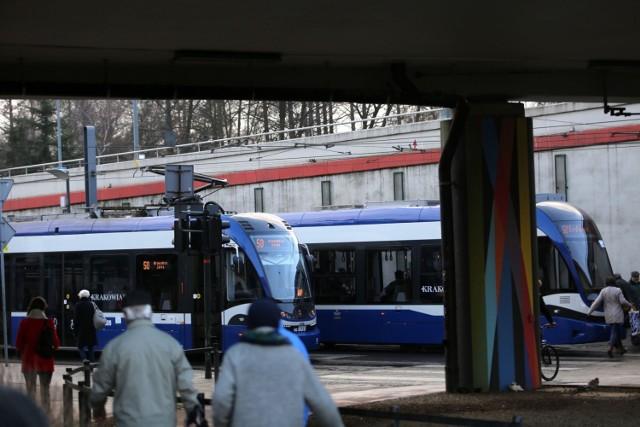 Przez dwa tygodnie tramwaje nie będą mogły wjeżdżać na rondo Mogilskie od strony ul. Lubicz. Duże zmiany w rozkładach jazdy zostaną wprowadzone już w najbliższą sobotę 9 marca
