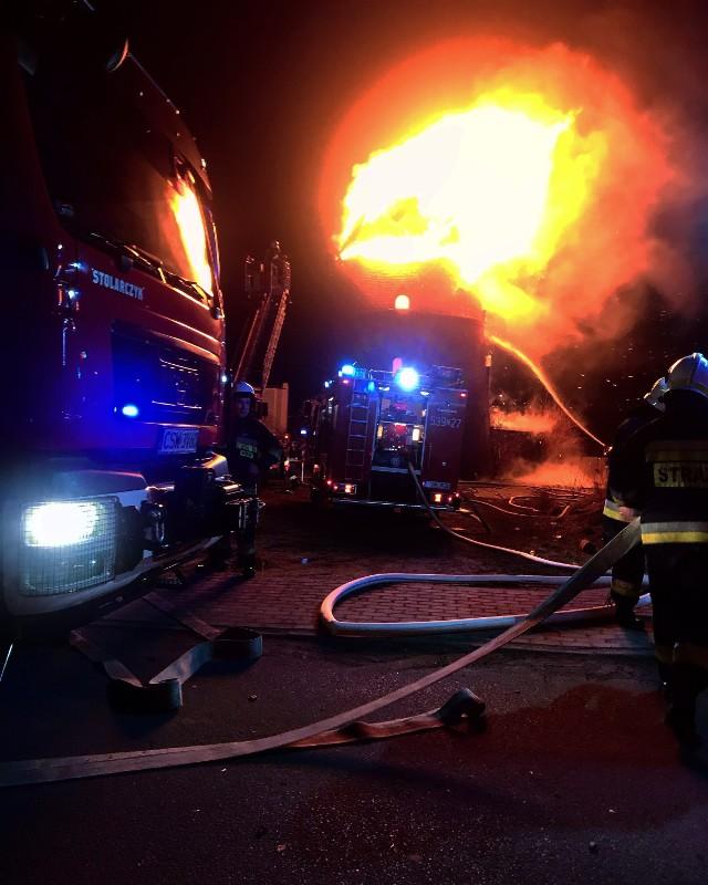 Straty w wyniku pożaru wiatraka w Nowem oszacowano na milion złotych
