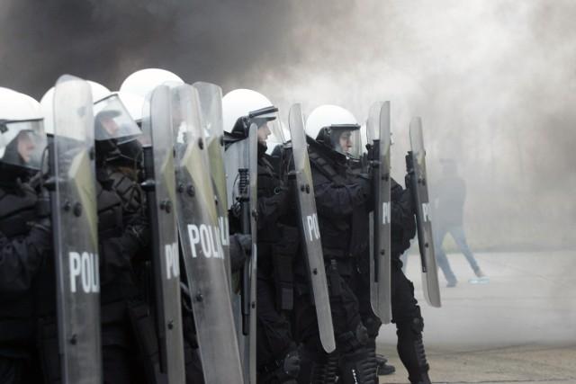Ze względu na wcześniejsze wydarzenia, także na ostatni mecz pomiędzy Jarotą a Nielbą skierowano dodatkowe siły policji