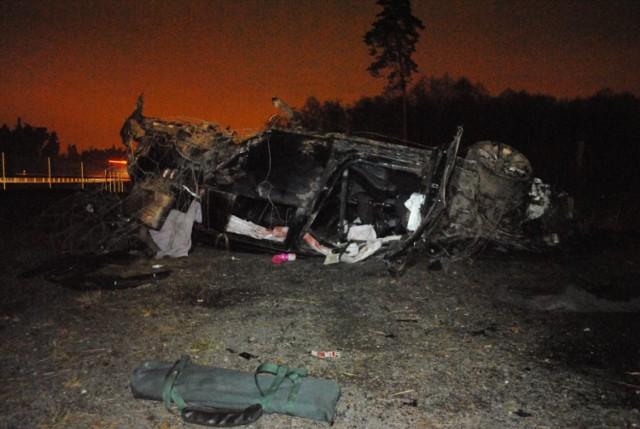 Wypadek na A1. Auto dachowało