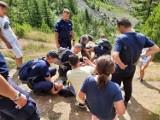Policjanci z Częstochowy, Katowic i Zabrza pełniący służbę w Kosowie uratowali życie mężczyźnie, który tonął w jeziorze Leqinat