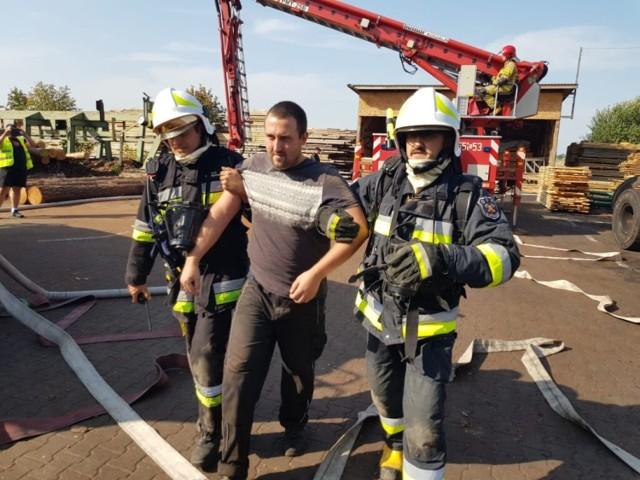 Na terenie tartaku Witkowscy w Rychłowicach odbyły się ćwiczenia taktyczno – bojowe jednostek Państwowej Straży Pożarnej oraz Ochotniczych Straży Pożarnych z Kadłuba oraz Pątnowa