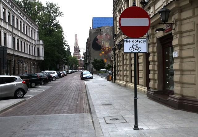 Rowerem pod prąd na Roosevelta w Łodzi