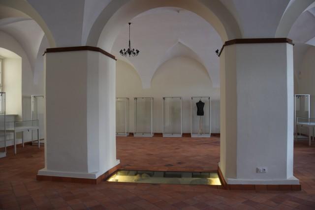 W zabytkowej sali Starostwa Powiatowego w Kaliszu wkrótce zobaczymy pierwszą wystawę