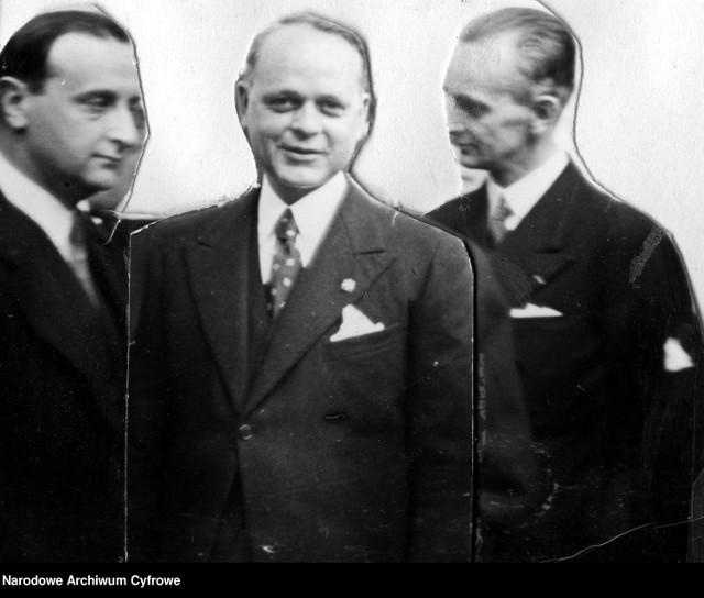 17 kwietnia 1895 - urodził się Stefan Wendorff, starosta powiatu morskiego (na zdjęciu w środku), później wicewojewoda łódzki.   Pochodził z Warszawy. Gdy w październiku 1932 roku został mianowany na starostę morskiego w Wejherowie, miał już doświadczenie na podobnym stanowisku, bowiem w 1927 roku wojewoda wydelegował go do Stolina, gdzie również pełnił funkcję starosty.  Zmarł 1 sierpnia 1969 - dzień wcześniej Wendroff miał wypadek.  Na zdjęciu:  Wiceminister przemysłu i handlu Adam Rose (z lewej), wynalazca lanitalu Antonio Ferretii (w środku) i wicewojewoda łódzki Stefan Wendorff (z prawej) podczas uroczystości otwarcia fabryki.