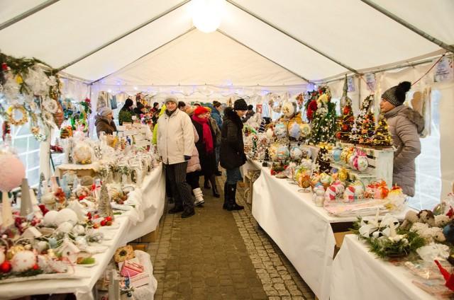 Poprzednie edycje jarmarków świątecznych cieszyły się dużym zainteresowaniem mieszkańców Przemyśla.
