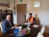 Czarny Bór: Podpisana umowa na odbudowę drogi w Witkowie