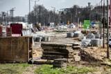 Kraków. Postępują prace związane z budową linii tramwajowej na Górkę Narodową. Mieszkańcy narzekają na błoto [ZDJĘCIA]