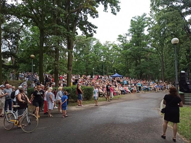 Mieszkańcy Konina tłumnie przybyli na koncert poświęcony Krzysztofowi Krawczykowi