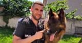 Owczarek Jawol od 7 lat wspiera policjantów z Bytowa. Jego opiekunem jest aspirant Michał Gwiździel