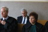 Proces Cezarego Grabarczyka i Dariusza S. o nielegalne zdobycie pozwoleń na broń. Świadkowie nie widzieli ich na egzaminach