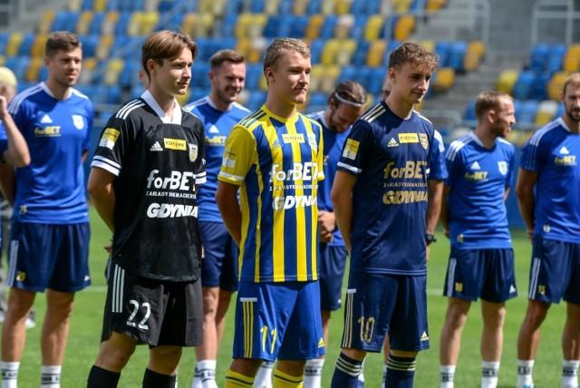 Prezentacja odbyła się tym razem na Stadionie Miejskim w Gdyni.