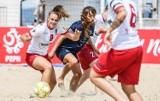 Puchar Polski w beachsoccerze. Piłkarki na gdańskiej plaży, czyli piękno, walka i rywalizacja [zdjęcia]