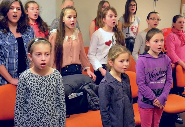 Konkurs  to propozycja dla utalentowanych  maluchów, takich jak widoczne na zdjęciu dziewczęta z sekcji wokalnej KCK