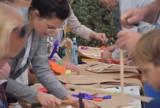 Gniezno. Święto Latawca 2021 w Gnieźnie! Było tworzenie latawców, pokaz lotów dronów i dmuchane zamki [FOTO]