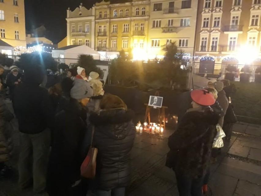 Kaliszanie oddali hołd prezydentowi Gdańska Pawłowi...