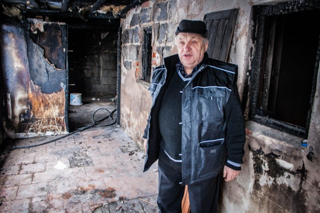 Dom w Sędzinku spłonął niemal całkowicie. Co w tym czasie robili strażacy z OSP?