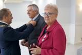 Jubileusze 50-lecia pożycia małżeńskiego Międzychód 2021: 21 par odebrało okolicznościowe medale nadane przez Prezydenta RP